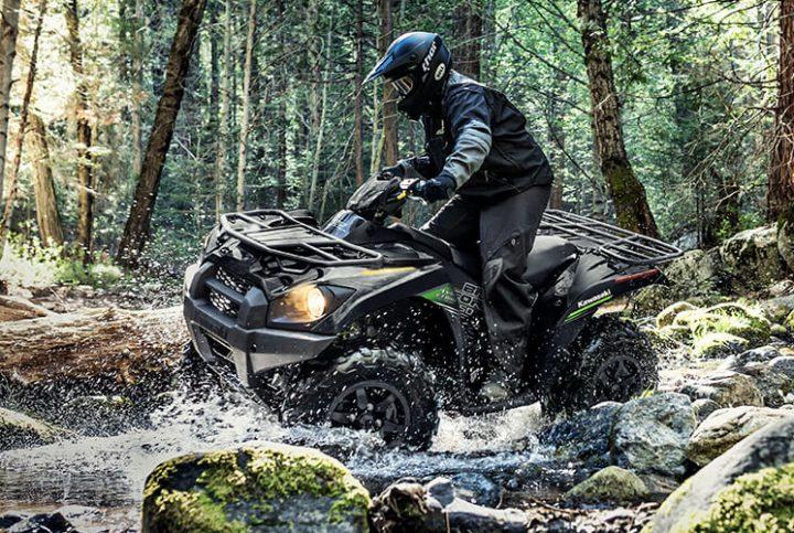 Surmontez tous les obstacles grâce au VTT Brute Force 750 de Kawasaki
